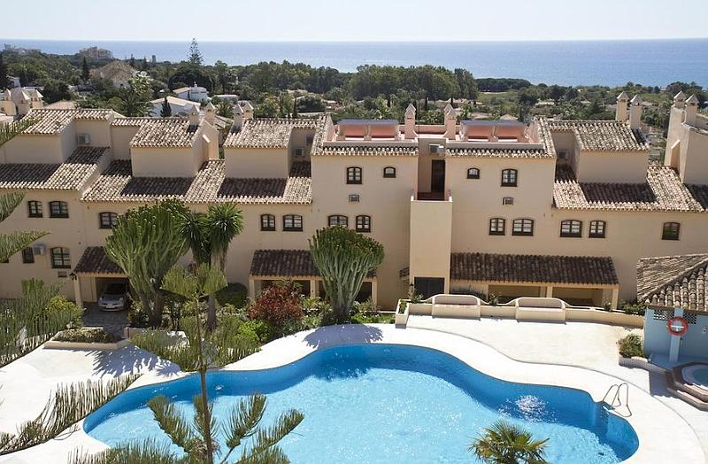 Apartment - Middle Floor in Marbesa
