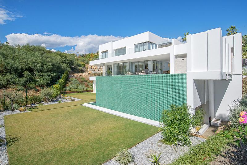 Villa - Detached in El Paraiso