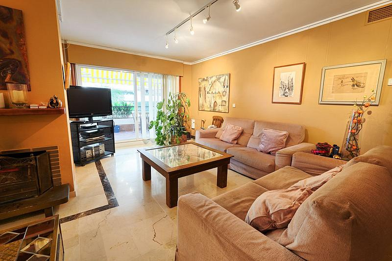 Apartment - Middle Floor in Guadalmina Alta