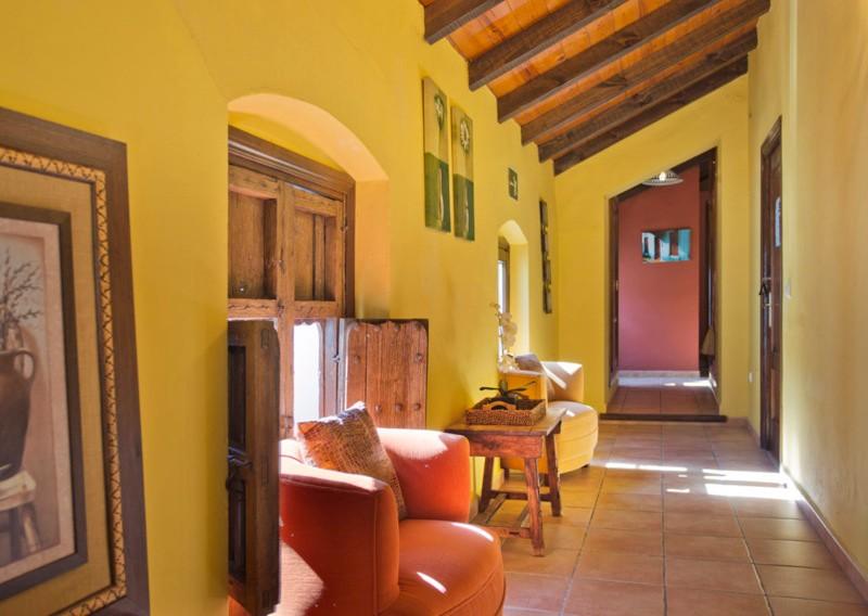 Commercial - Hotel in Cortes de la Frontera