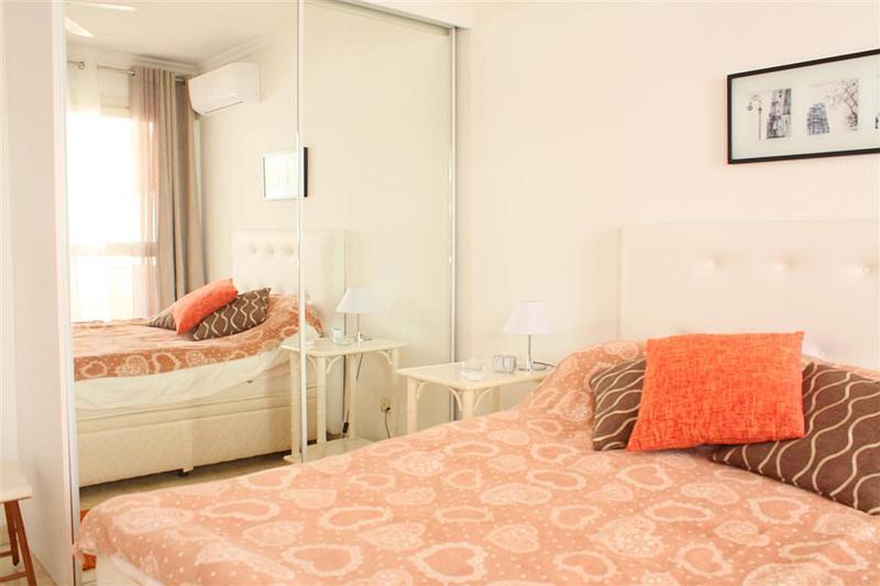 Apartment - Middle Floor in El Paraiso