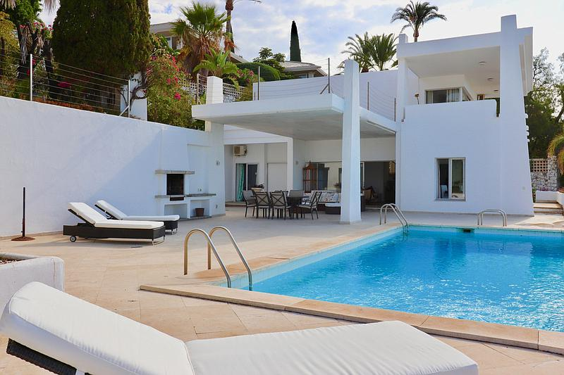 House - Detached Villa