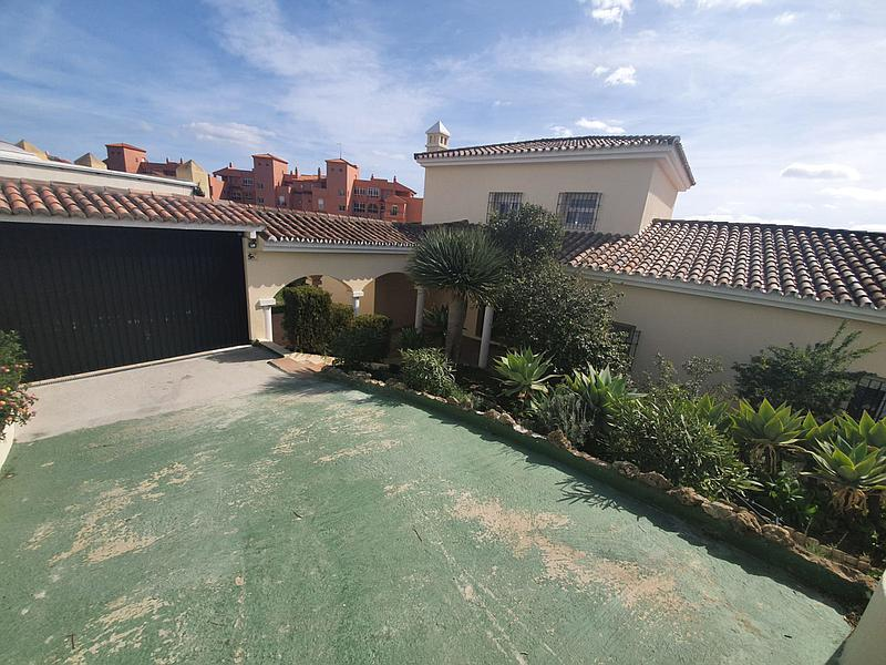Villa - Detached in La Duquesa