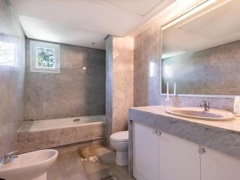Apartment - Penthouse in Guadalmina Baja