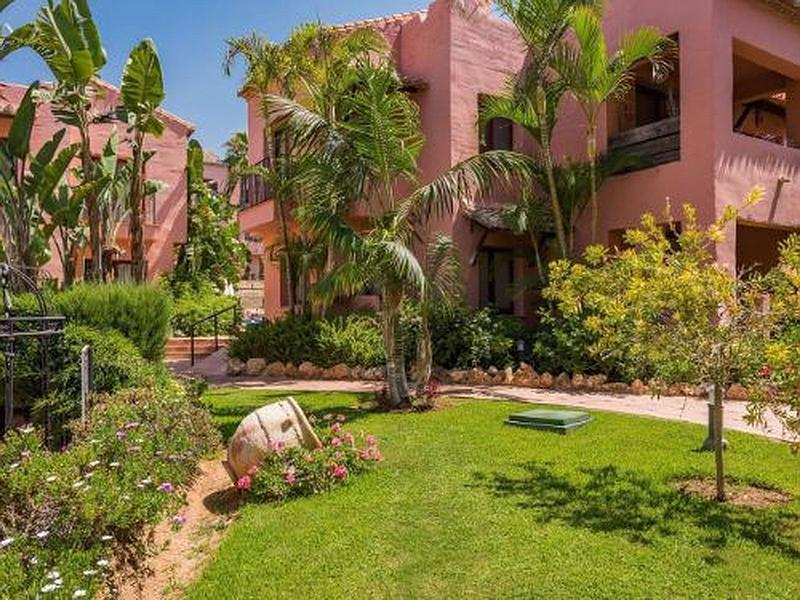 Apartment - Penthouse in Elviria