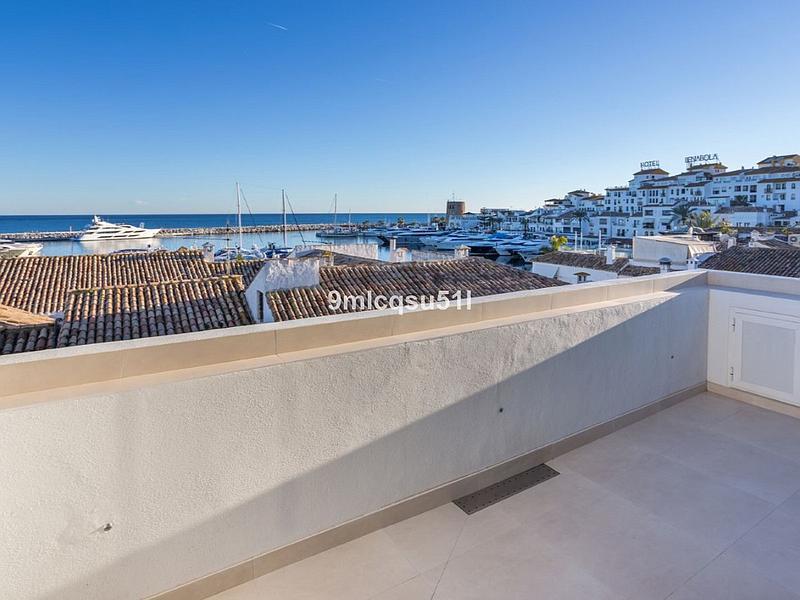 Apartment - Penthouse in Puerto Banús