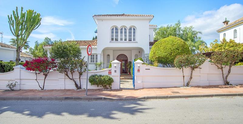Villa in Marbella West