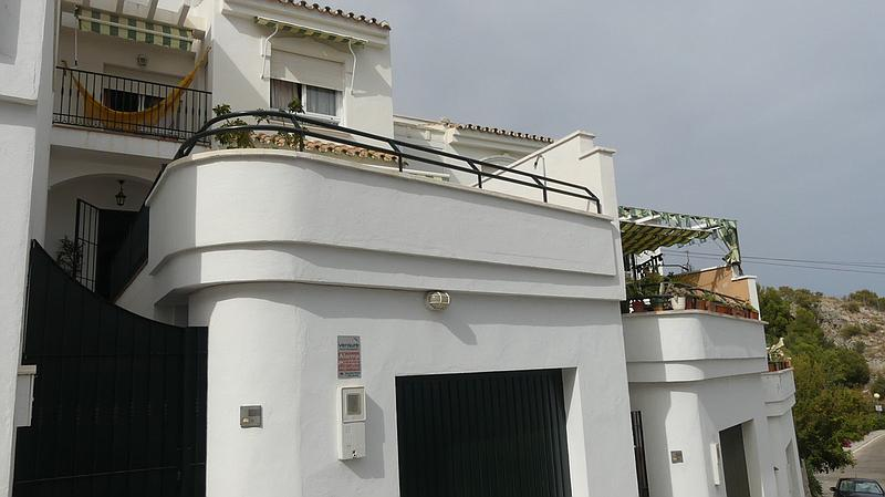 Townhouse - Terraced