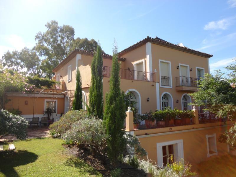 House in Los Almendros