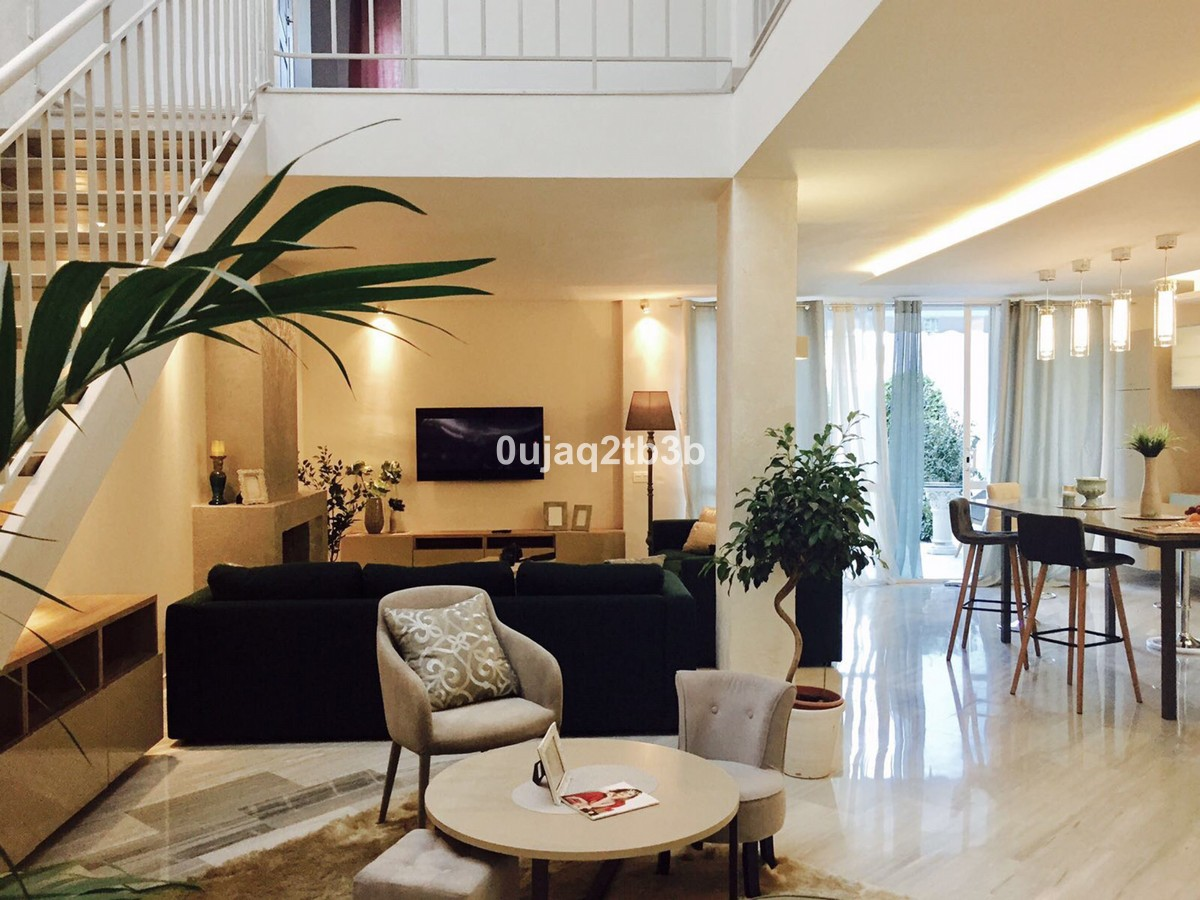 Townhouse - Terraced in New Golden Mile