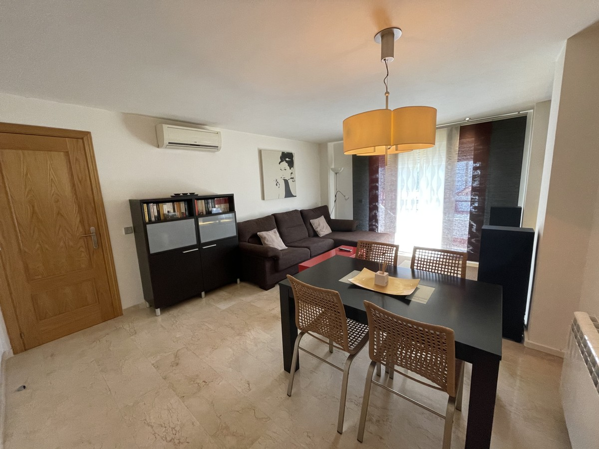 Apartment - Middle Floor in Benahavís
