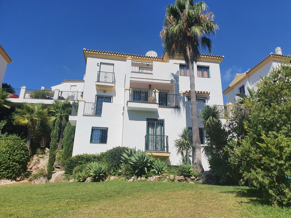 Apartment - Penthouse in Alhaurin Golf