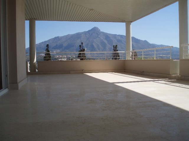 Apartment - Penthouse in Nueva Andalucía